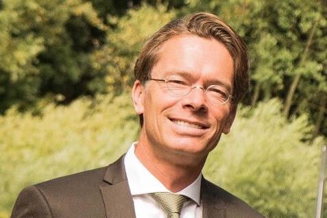Dr. Peter van der Knaap